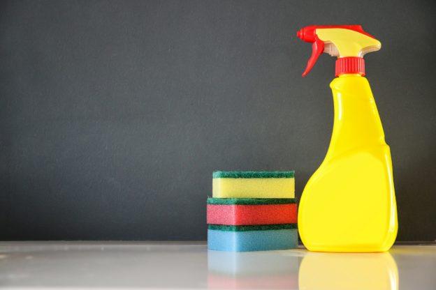 Reinigung und Pflege des Schnellkochtopfes